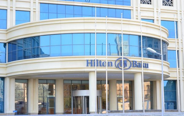 Hilton-Baku