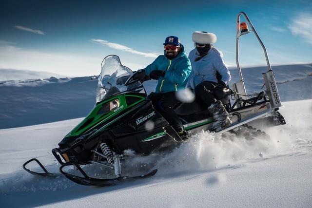 snow-mobile-2-640×427