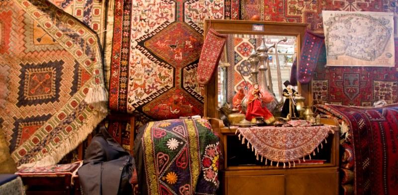 سوغاتی های باکو - فرش آذری
