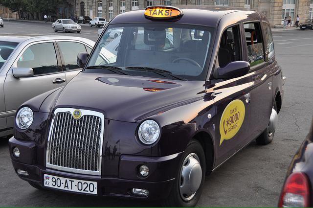 تاکسی های دولتی باکو